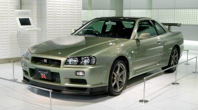 Nissan Skyline R34 GTT + GTR Windscreen